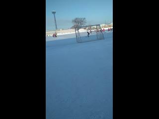 Хоккейный матч маяк  нкктеринбург