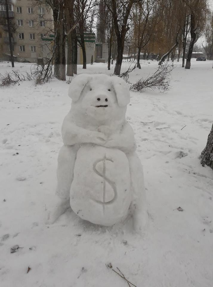 Ребя,а вы в курсе что скоро хрюшку сменит другой персонаж в нашем новогоднем рационе снеговиков .
