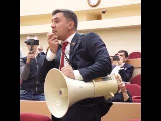 Скандал в Думе. Оппозиционный депутат Николай Бондаренко Дневник депутата разнёс партию жу
