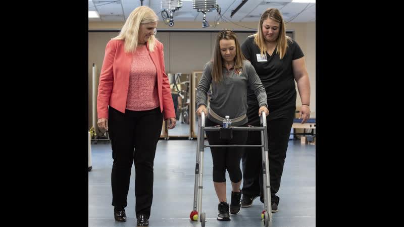 Этот имплант помогает парализованным людям ходить