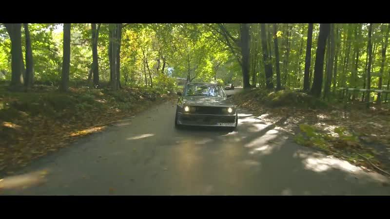 Autumn Drift with Yeti - BMW e30 YETI