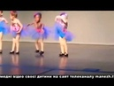 ПРИКОЛЫ. ТАНЦУЮТ ВСЕ только смешное Танцы на детских утрениках. Танцуют все. Приколы.
