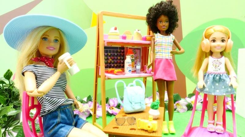 Vamos de compras com Barbie e Chelsea Barbie em Português Vídeos de brinquedos para meninas