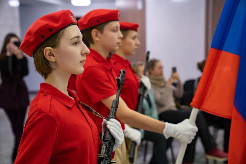 Российская «Юнармия»: равнение на советскую «Молодую гвардию», изображение №1