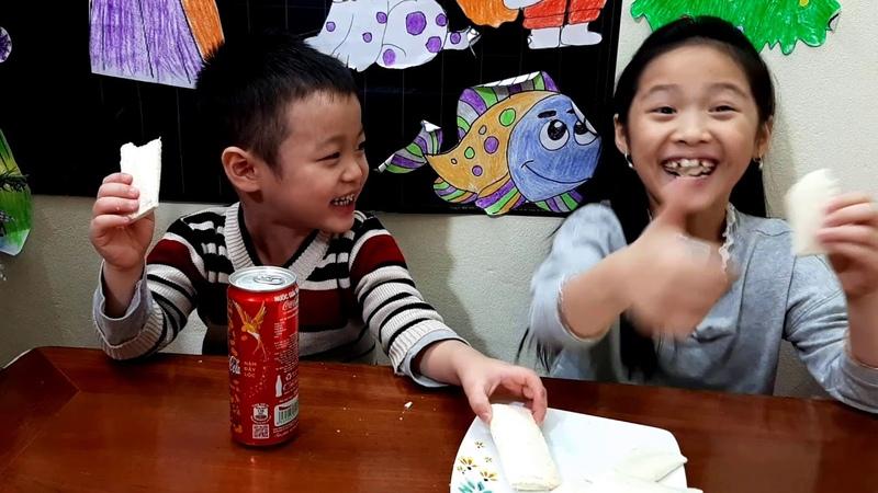 Gia Linh và em Cò đi học về đói bung ăn bánh sữa chua chị Silent Sea làm