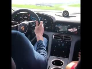 Новый Porsche Taycan звучит как космический корабль