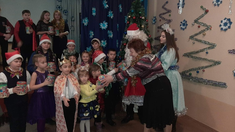 Новогодние подарки для детей прифронтовых территорий членов профсоюза образования от российских профсоюзов, изображение №8