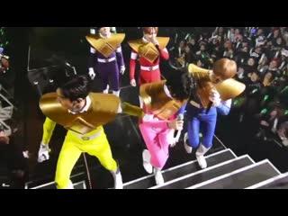 K-Pop и Могучие Рейнджеры