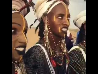 Горевол - конкурс мужской красоты на юге Сахары в нигерийском племени водабе.