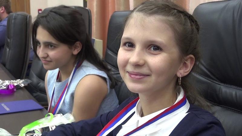 Стипендиатам Городского Головы вручили дипломы