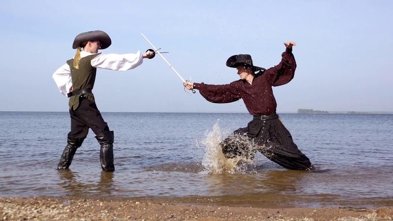 Из за отсутствия людей пляжи очистились на столько что на них начали появляться пираты