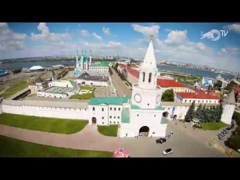 Ирек Ризаев катается в Казанском Кремле Кремль уцелел