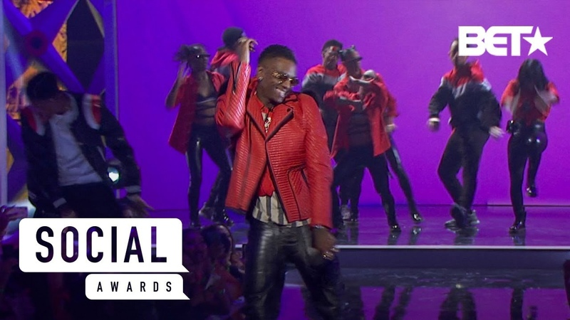 Soulja Boy Performs Some Of His Classics That Made The Way For Other Rappers! | Social Awards 2019
