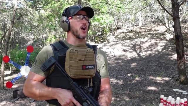 урок обращения с оружием coub