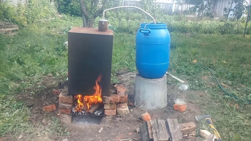 Гоним самогон в деревне. Часть 2. (How to make moonshine in Russian village)