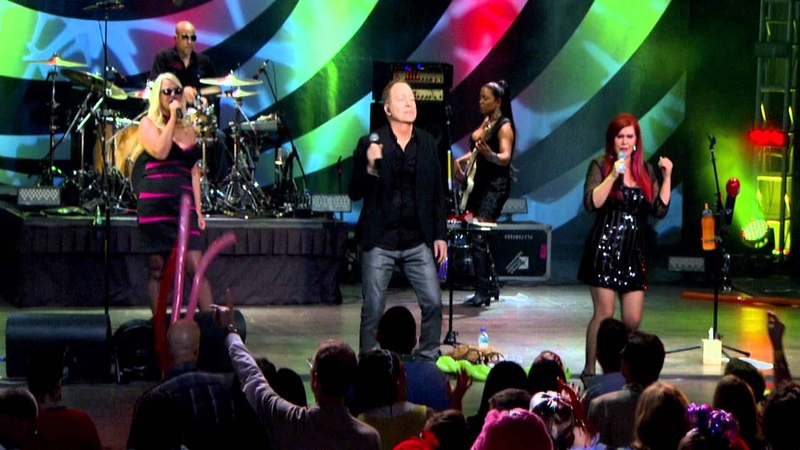 B 52s with the Wild Crowd Live in Athens GA Love Shack PBS