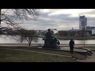 В Минске незвестные вандалы облили краской памятник Пушкину