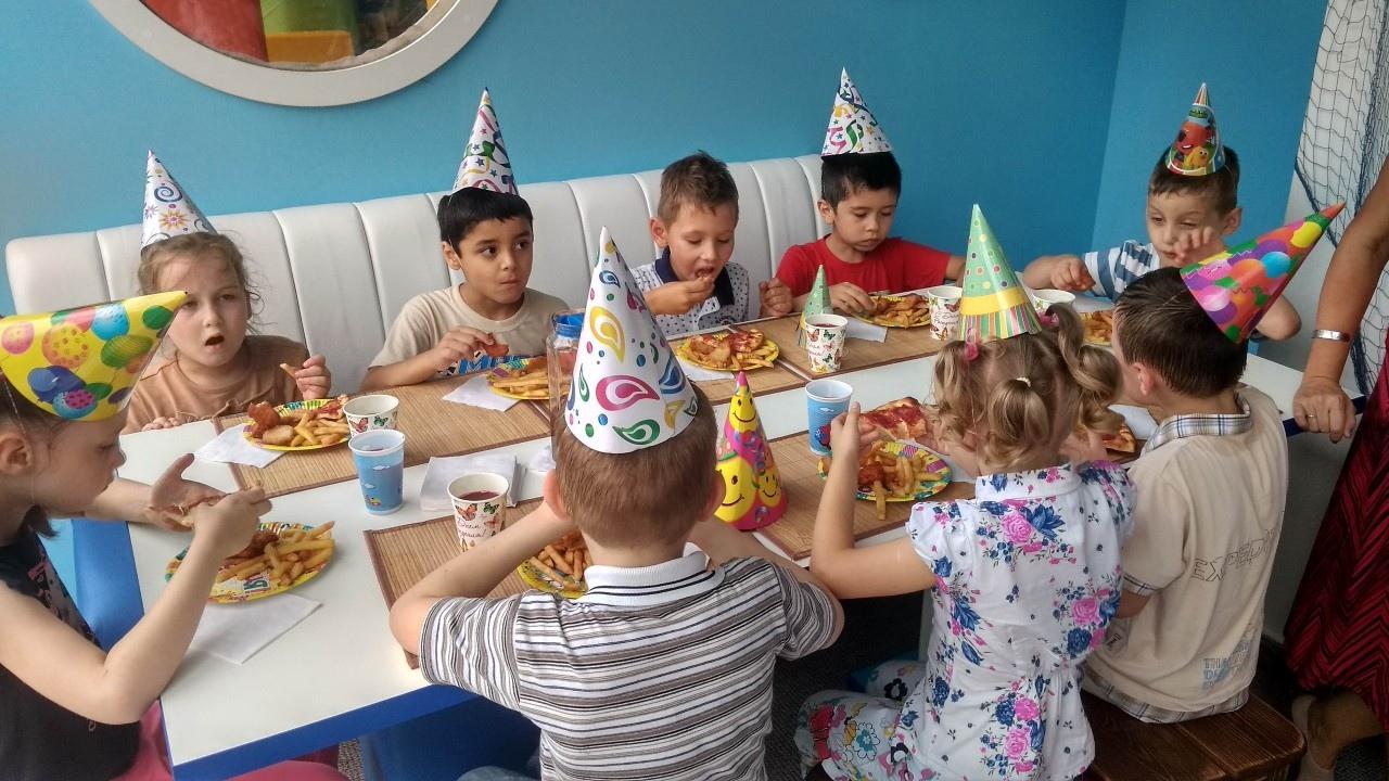 День рождения для сирот