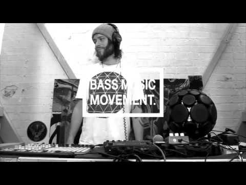 MC Xander Heresy Live looping Beatbox Sampling