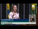 Gleisi enaltece greve dos petroleiros e mostra que a Petrobras está sendo desmontada