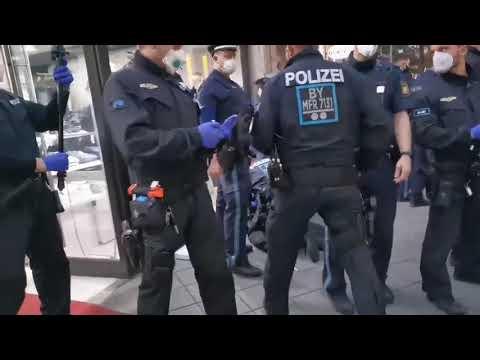 Spontandemo in Nürnberg Breite Gasse gegen Maskenpflicht