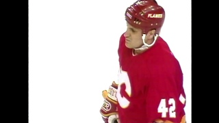 Sergei Makarov's first NHL playoff goal for Flames (1991)