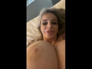 Danielle Derek кончили на лицо, а она и рада | PORNO TWITTER