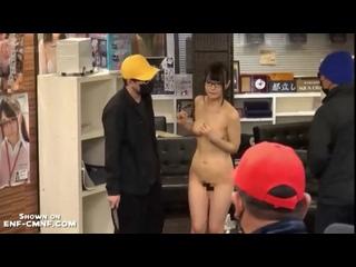 ENF, CMNF, OON – секретаршу в Японии заставляют раздеться догола и мастурбируют ей на глазах у коллег
