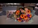 Авторский букет из ораньжевых гербер, нежно розовых хризантем в дизайнерской упаковке