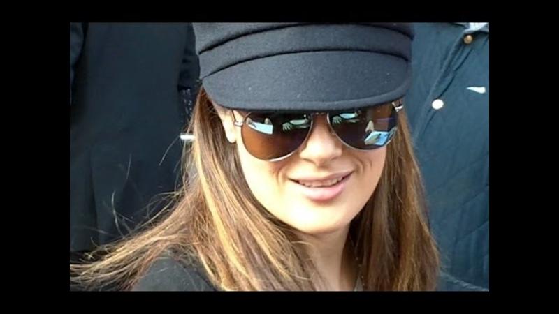 09 02 2014 Сальма Хайек на премьере фильма Красавица и чудовище в Париже