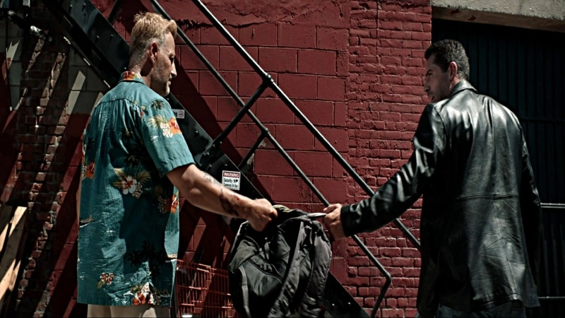 Френч против Сью драка в переулке Коллекторы 2 2020 1080р