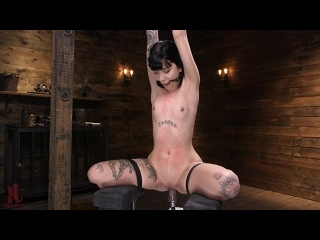 Машина Трахает связанную Сучку Sexy Goth Slut Charlotte Sartre Gets Machine Fucked In Bondage Гот Анал Пизда Anal Pussy BDSM Тян