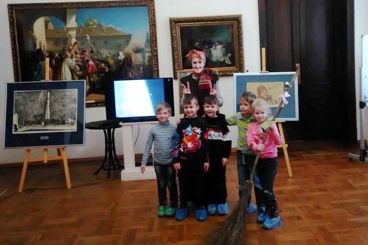 Художественный музей Таганрога отметил 60-летие полета Ю.А.Гагарина