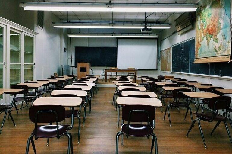 В китайском городе-миллионнике из-за COVID-19 закрываются школы