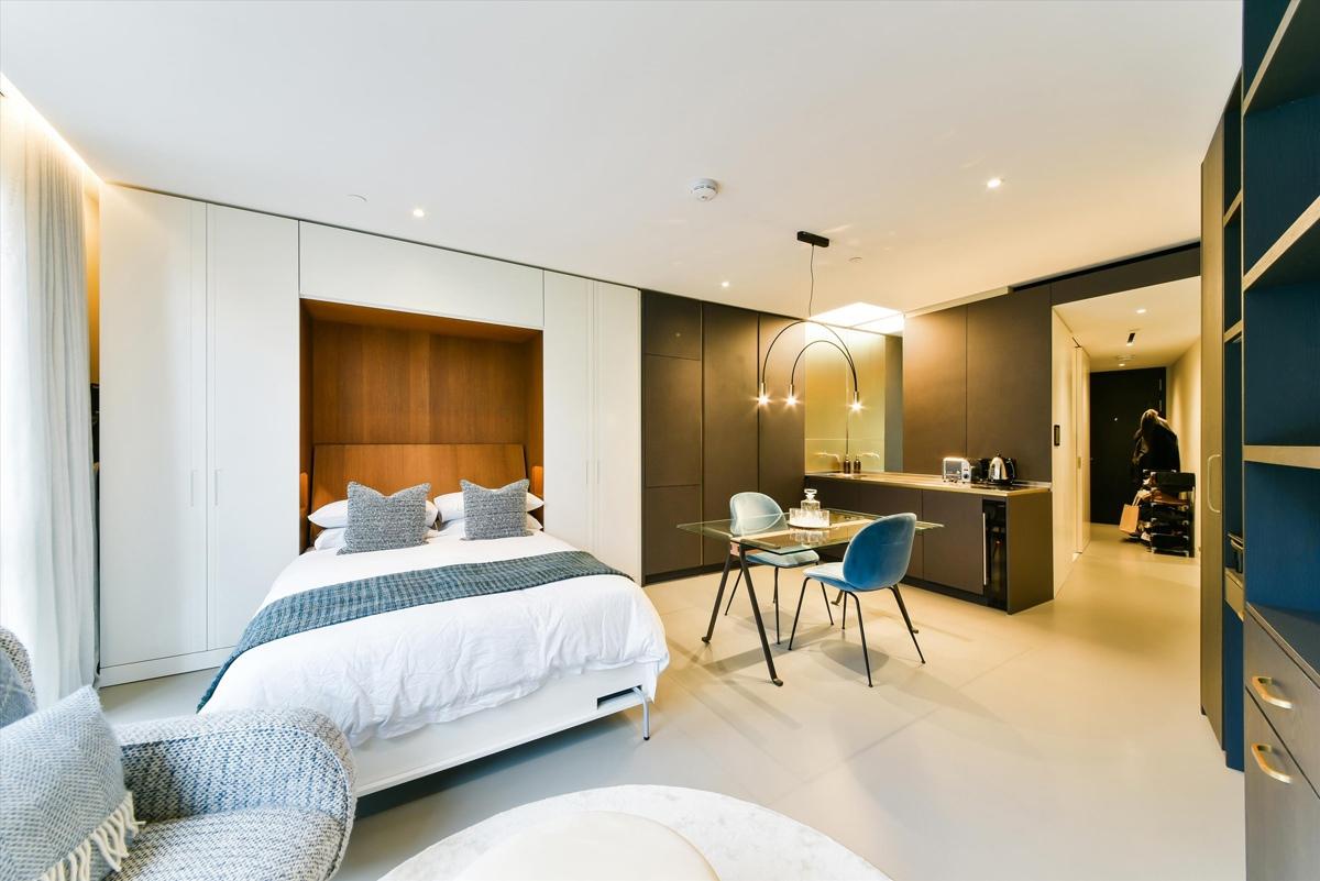 Такие вытянутые и расширяющиеся квартиры-студии 41 кв.