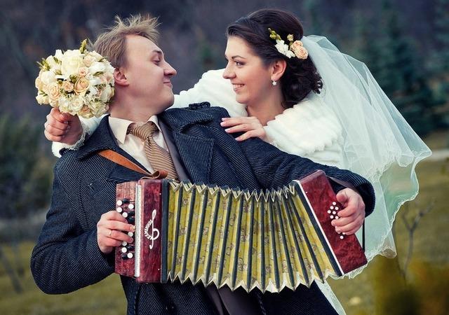 Веселые частушки на свадьбу и про свадьбу