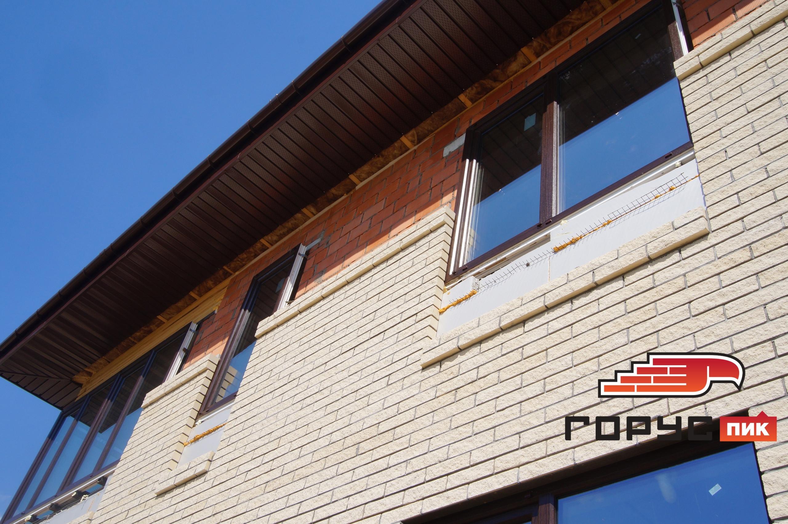 Объект, облицовываемый кирпичом «Горус» в деревне Чернышевка Высогорского района Республики Татарстан вышел на завершающую стадию.