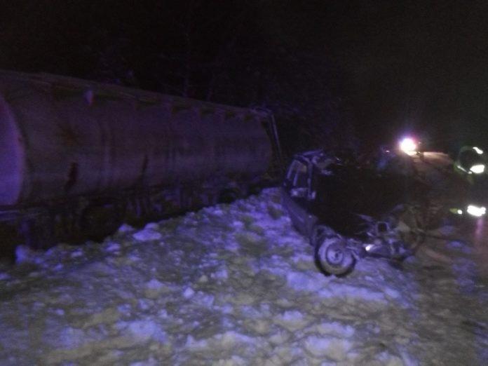В Марий Эл при столкновении с грузовиком погиб водитель