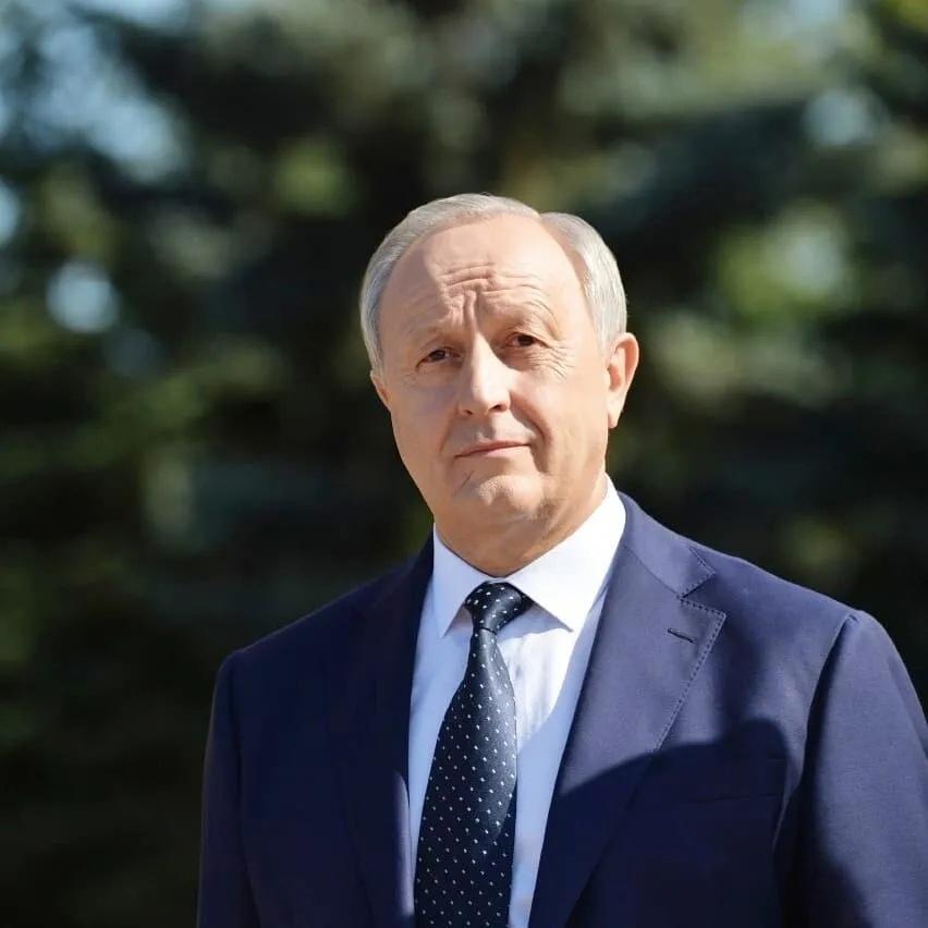 Поздравление губернатора области В.В.Радаева с Днём работника дорожного хозяйства