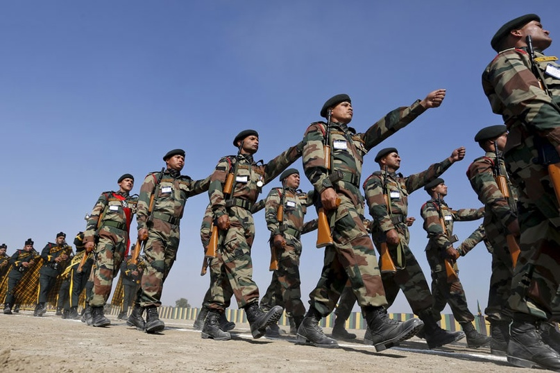 Индия остается третьим по величине военным закупщиком в мире, хотя и значительно...