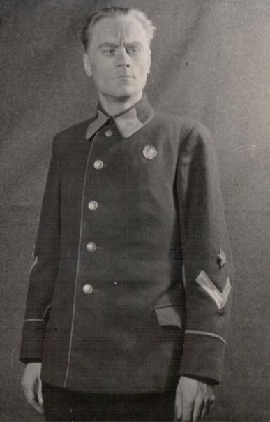 Артист Борис Ильясов в роли Огнева, спектакль «Фронт», 1942 г.
