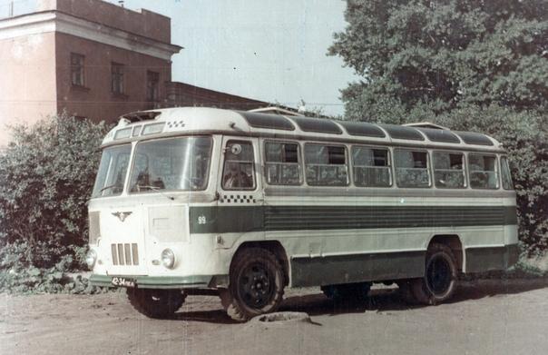 АВТОБУС ПАЗ-652  Фото конца 1960-х – начала 1970-х гг. из фондов Петербургского музея автобусов.