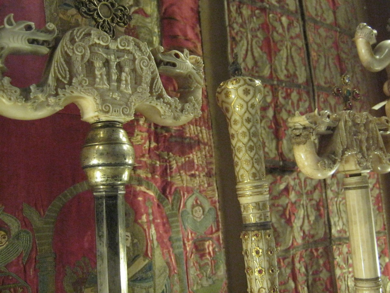 в музее в старейшем армянском соборе