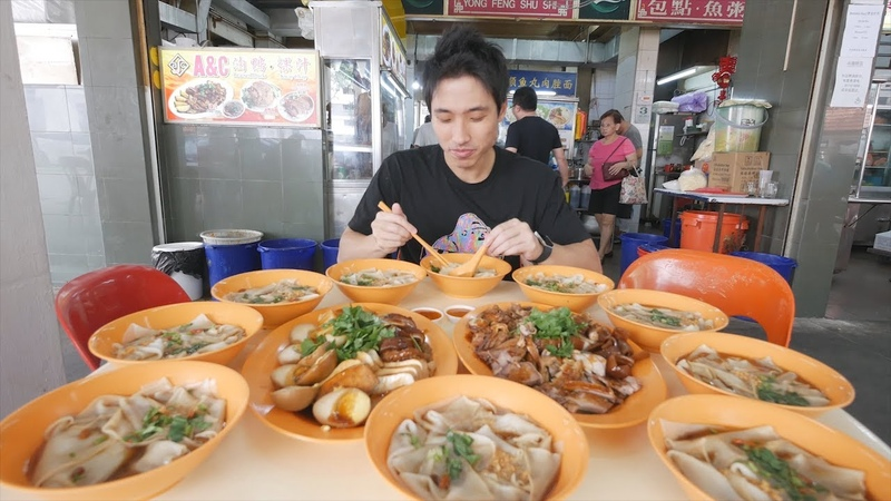 Singapore Street Food Mukbang Mouth Watering Braised Duck Rice Noodles Kway Chap
