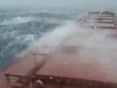 жизнь в шторм на танкере!