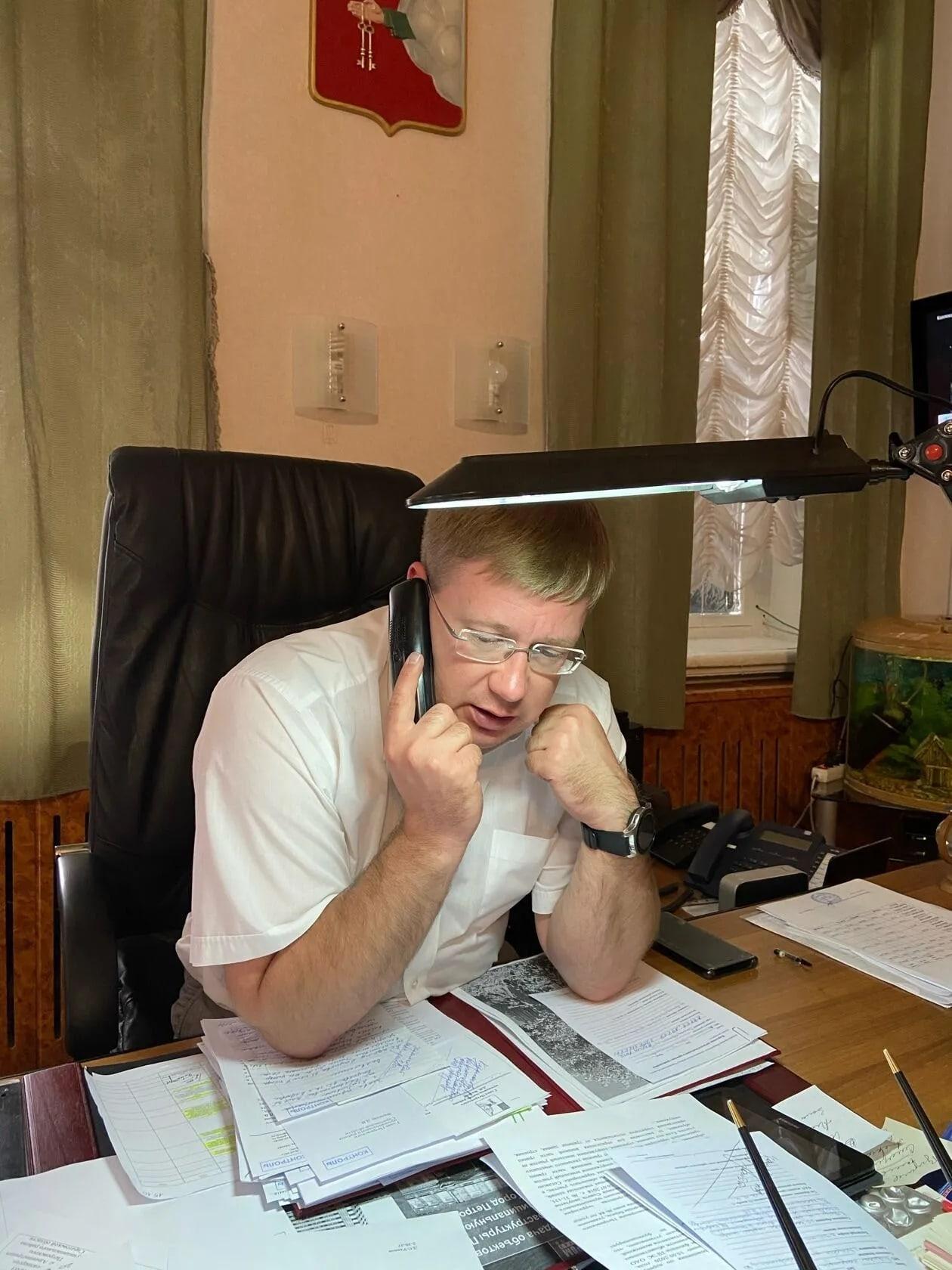 Сегодня глава Петровского района Денис Фадеев провёл плановый личный приём жителей