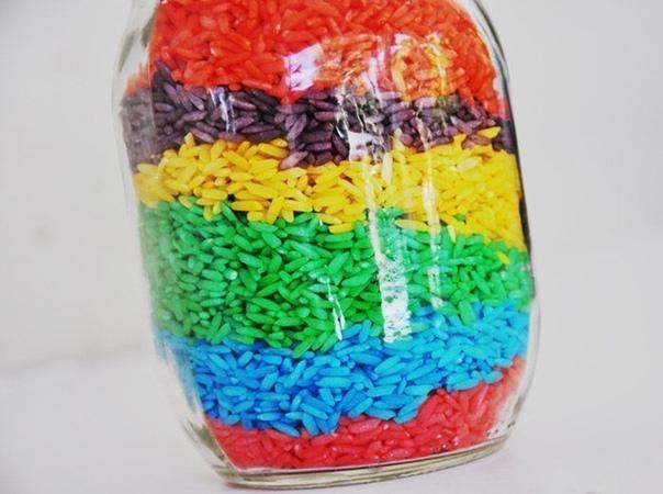 ЦВЕТНОЙ РИС ДЛЯ ДЕТСКИХ ИГР Цветной рис это красиво, приятно, безопасно и экологично. С ним можно придумать много развлечений. Например:- «Песочница» из цветного риса- Изучение цветов, развитие