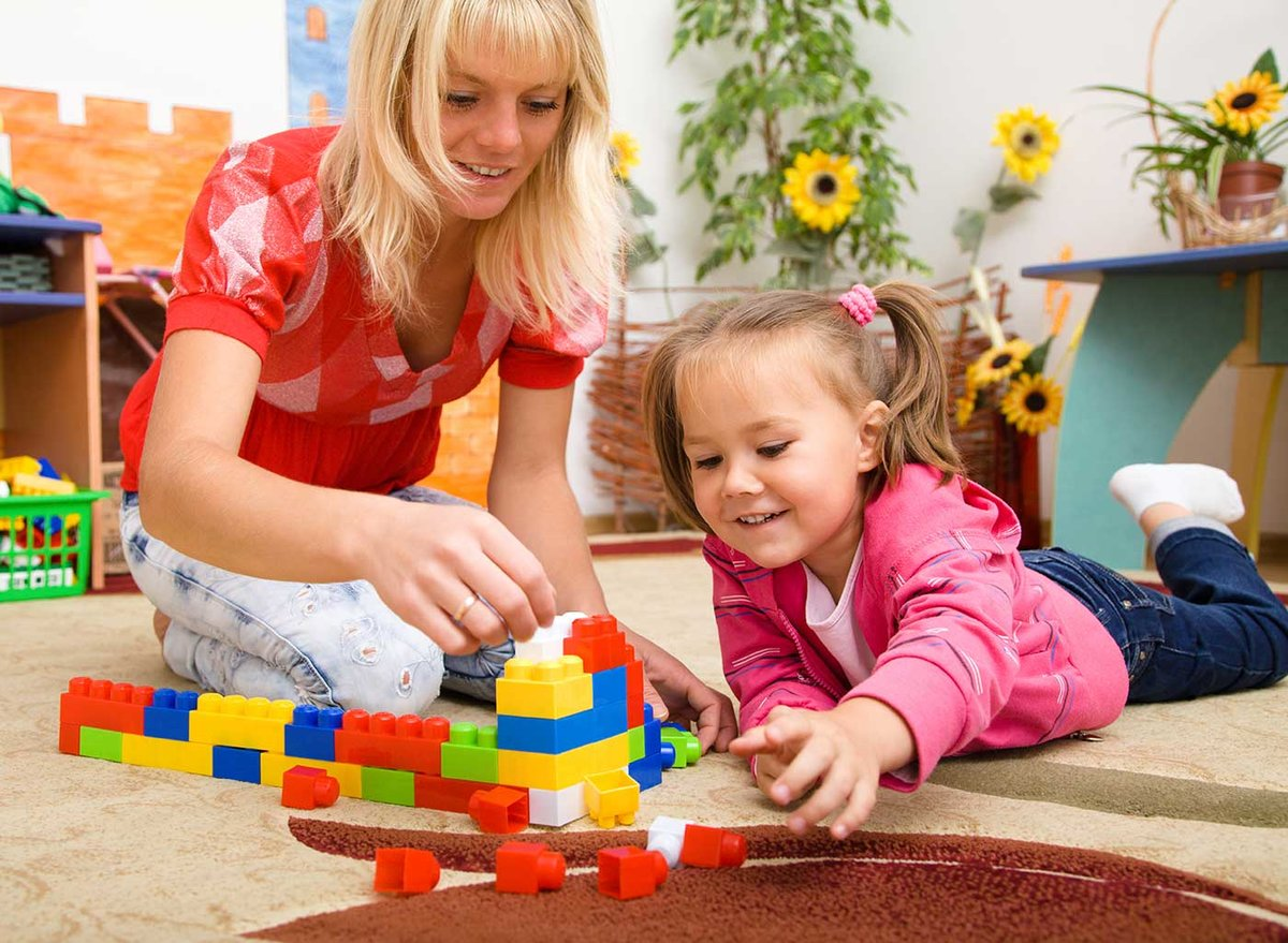 Картинки ребенок дошкольник с игрушкой