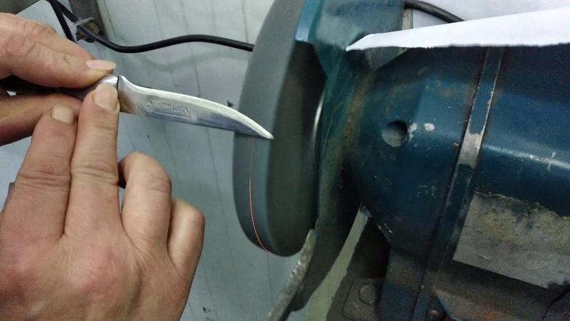 Заточка ножа для обвалки филе куриного 1 часть профессионал в работе Разделка мяса Мариуполь