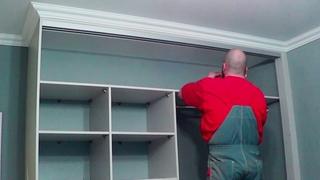 Монтаж встроенного шкафа-купе
